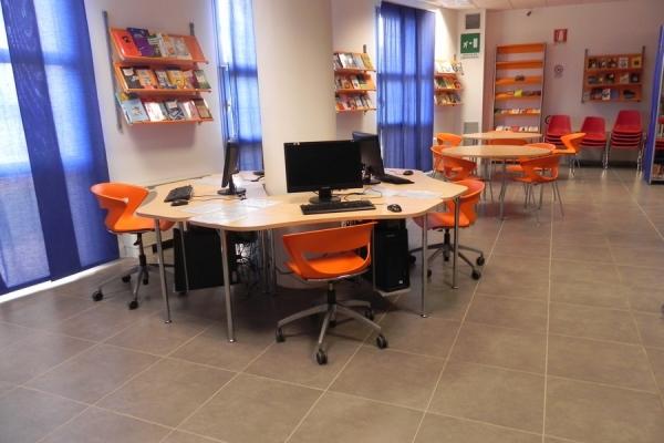 Interno biblioteca